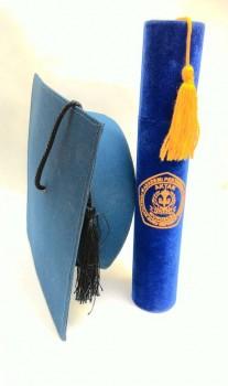 Topi wisuda sekolah